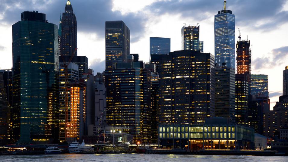 PK 04b 74 Downtown Manhattan Nacht.JPG