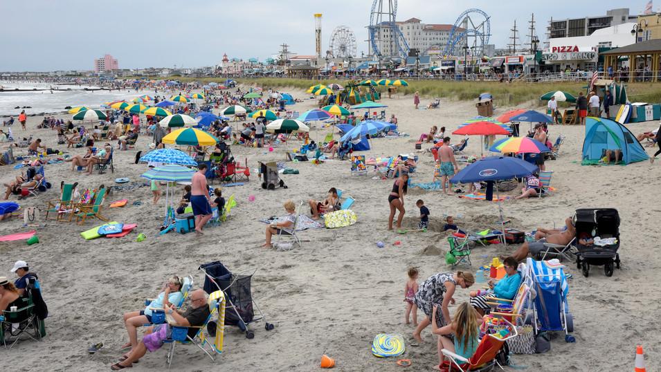 NY0009a Strand Ocean City.jpg