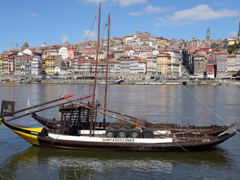 PO0008l Hafen Porto.jpg