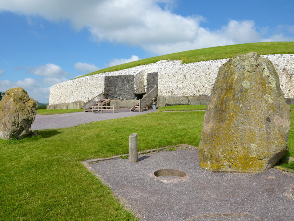 IR1184 Newgrange.jpg