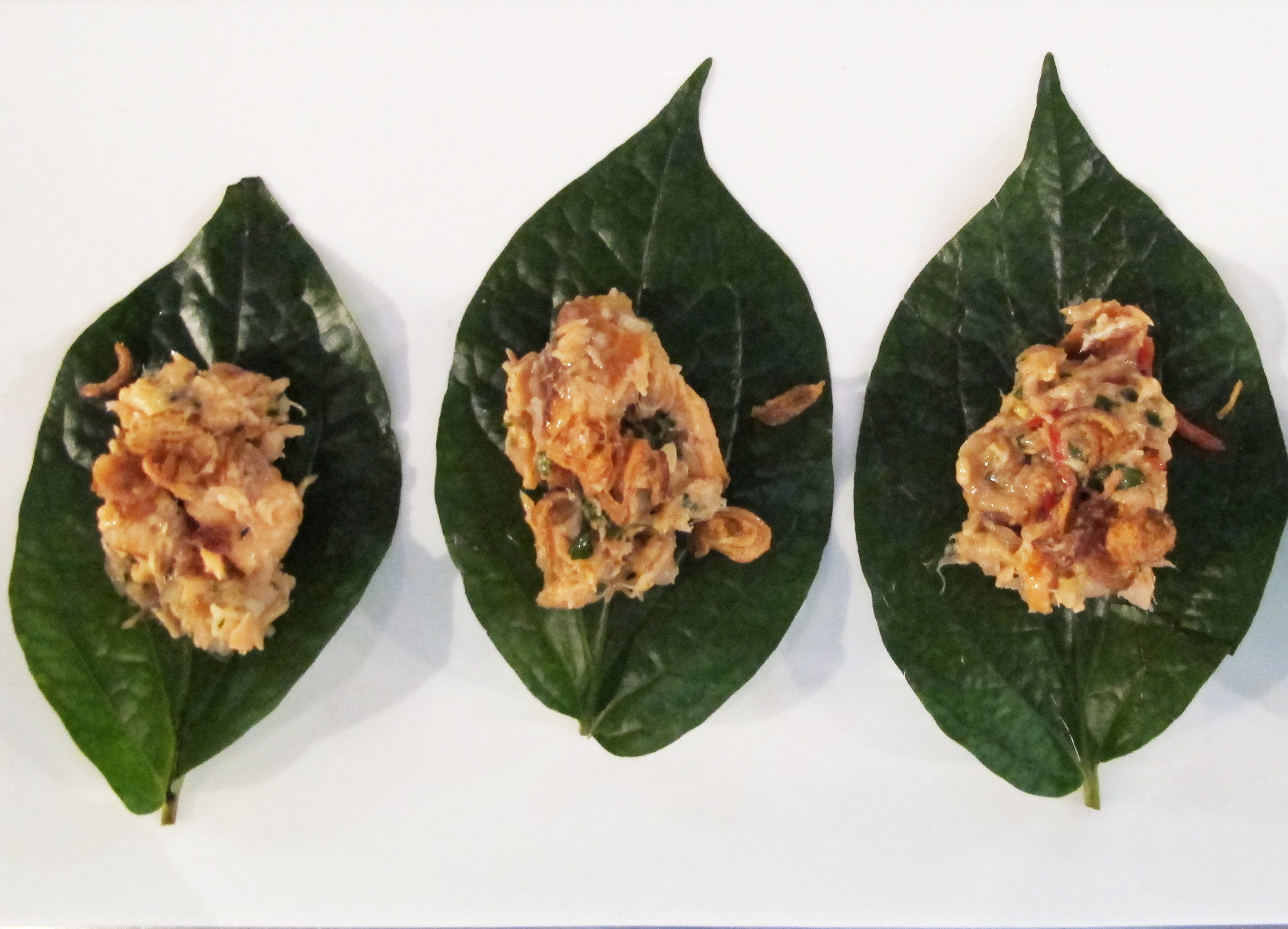 Betel leaves, asian smoked trout