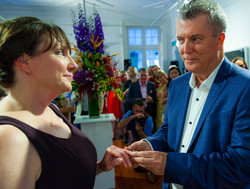 Becky & Brett marry in art gallery