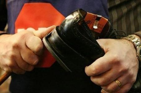 Phương pháp làm đế giày - Goodyear, Blake, Blake-Rapid, Bologna, Na Uy, Adhesive