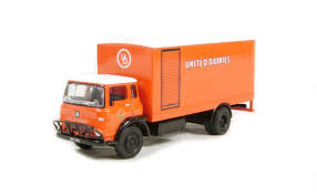 "Exclusive First Editions - Bedford TK Boxvan ""United Dairies"" 22911"