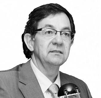 Mariano FONDO BLANCO.jpg