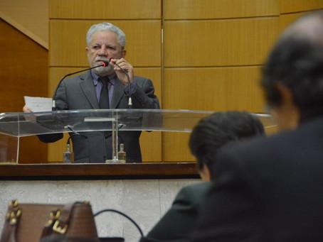 Gualberto critica MP de Bolsonaro que permite trabalho aos domingos