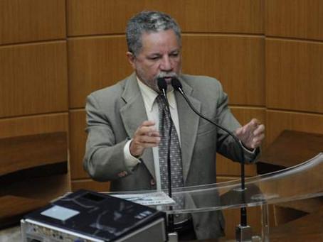 Gualberto rejeita Moção de Aplauso ao 'genocida' Jair Bolsonaro