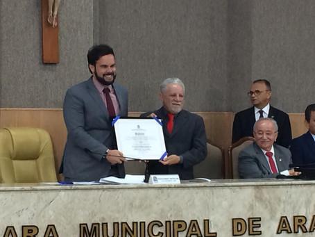 Gualberto recebe título de cidadão na Câmara de Aracaju