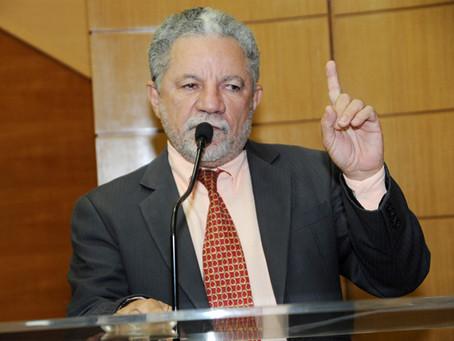 Gualberto critica tentativa de privatização de órgãos públicos no Brasil