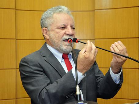 Lei criada pelo deputado Gualberto é copiada por senador do PSDB
