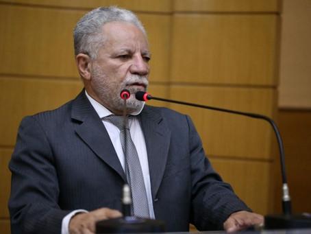 Brasil corre risco de voltar a ser uma colônia, na avaliação de Gualberto