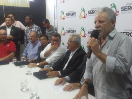 Gualberto é homenageado pelo Sindicato dos Radialistas e Fundação Aperipê