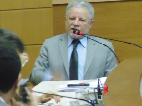 Líder do governo faz esclarecimentos sobre andamento de obras do Proinveste
