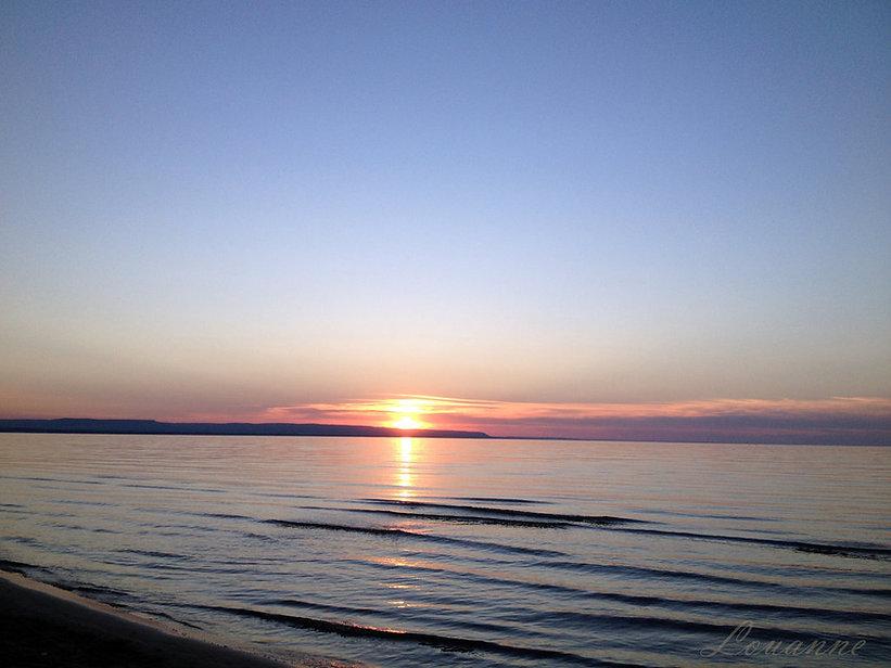 wasaga_beach_sunset_3_by_louloucatmom-d9