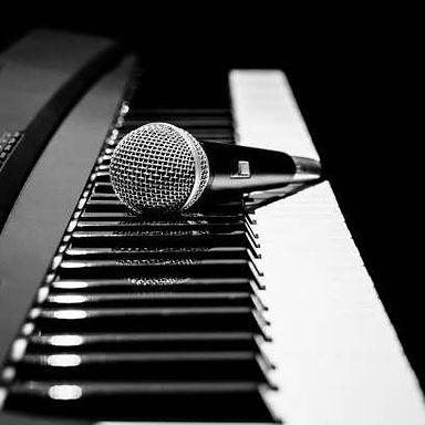 piano keys mic.jpg