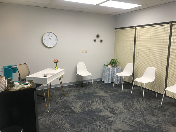 Waiting room in the counseling offices of Marble Wellness therapy clinic in Ballwin, MO. Men and women can visit for therapy in West County, Missouri. You can even get walk and talk therapy in Kirkwood, MO with a west county therapist for anxiety, depression, maternal overwhelm and more with an STL therapist.