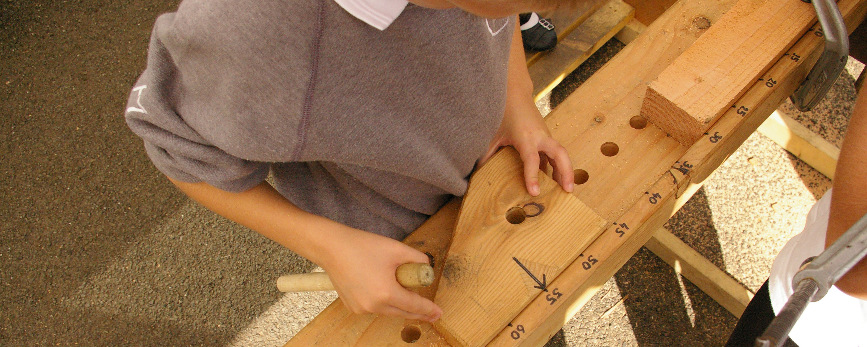 Setting the saw