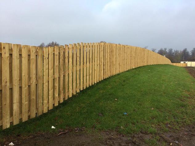 lrg_commecial-fence4.jpg