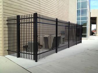 lrg_commercial-fence1.jpg