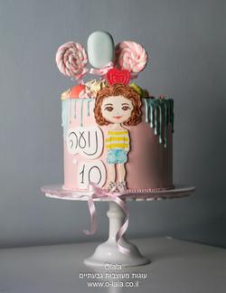 עוגת ילדה עם סוכריות