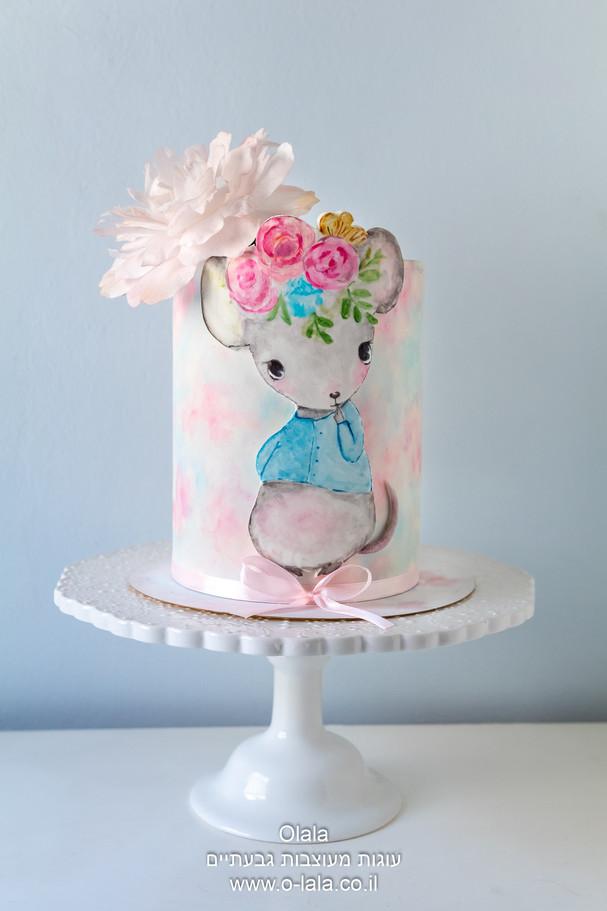 עוגה עם עכברונת