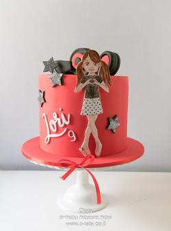 עוגת יום הולדת עם אוזניות למחליקה על