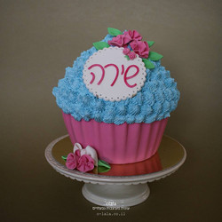עוגת קייק סמאש עם פרחים