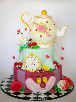 עוגת אליס בארץ הפלאות