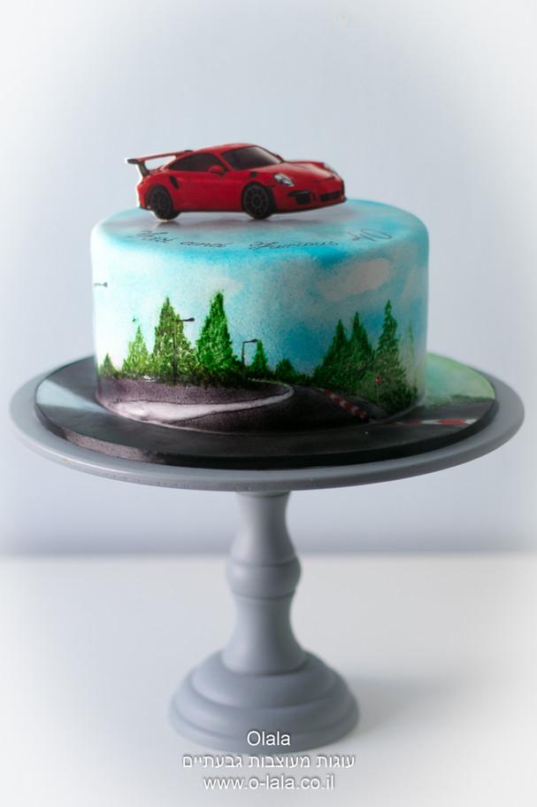 עוגה עם מכונית פררי