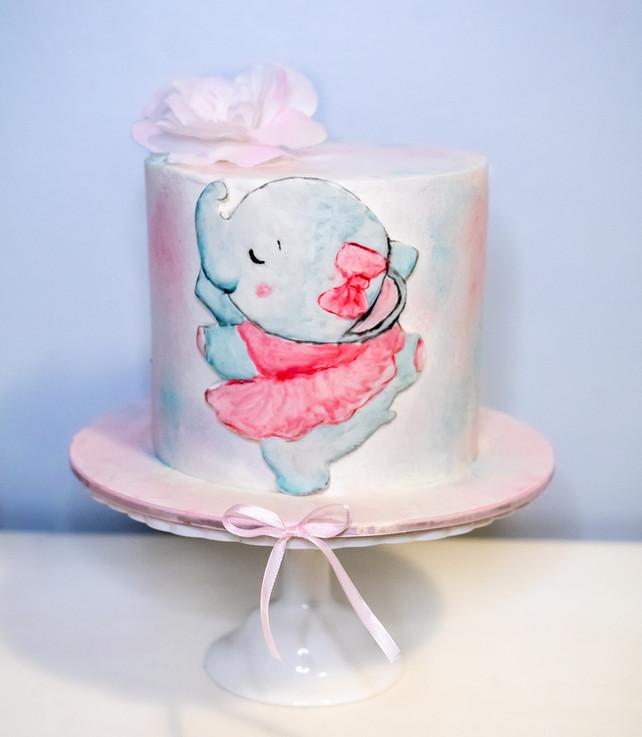 העוגה שהוכנה בסדנה על ידי אנולה