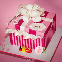 עוגת קופסת מתנה של ויקטוריה סיקרט