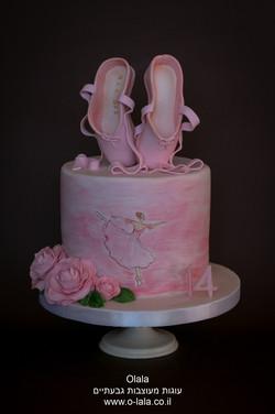 עוגה עם נעלי בלט