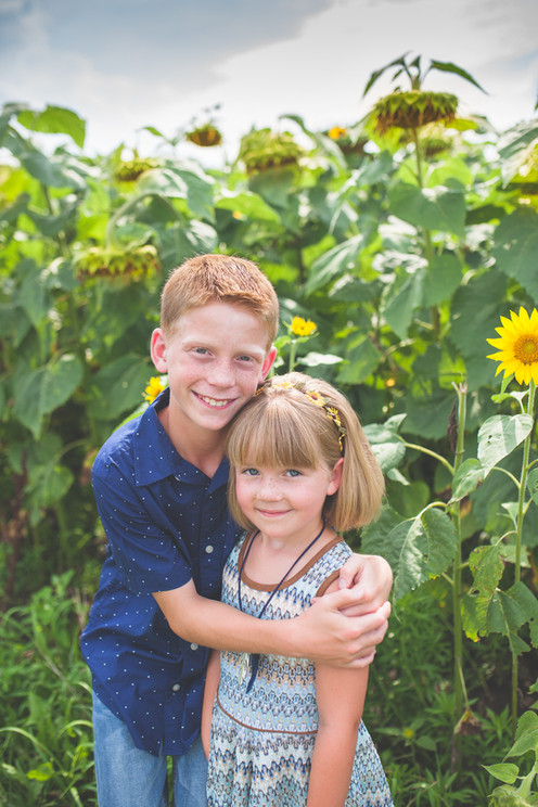 sunflowers kids session.jpg