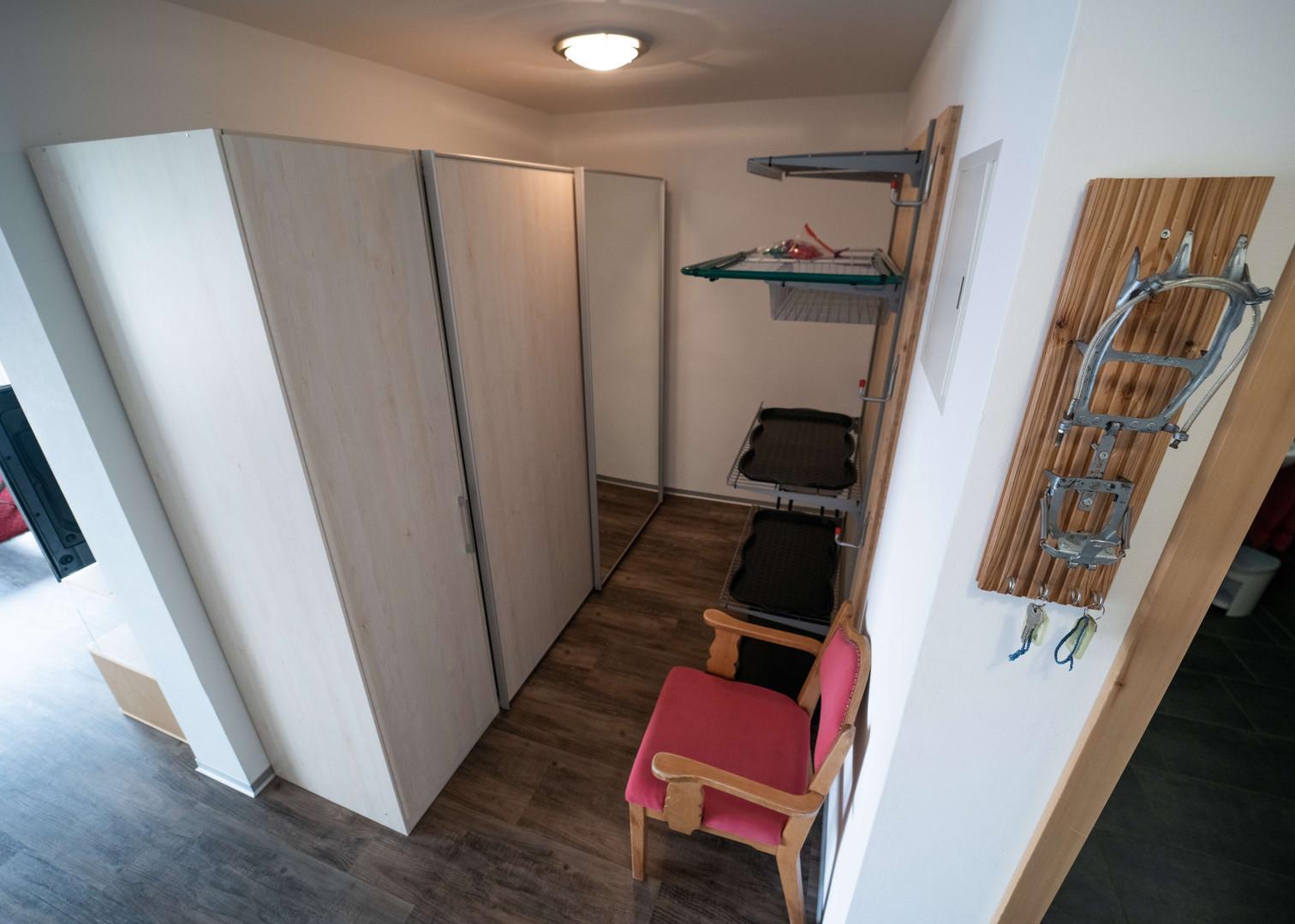 Beesche Tritt 6.5 Garderobe.jpg