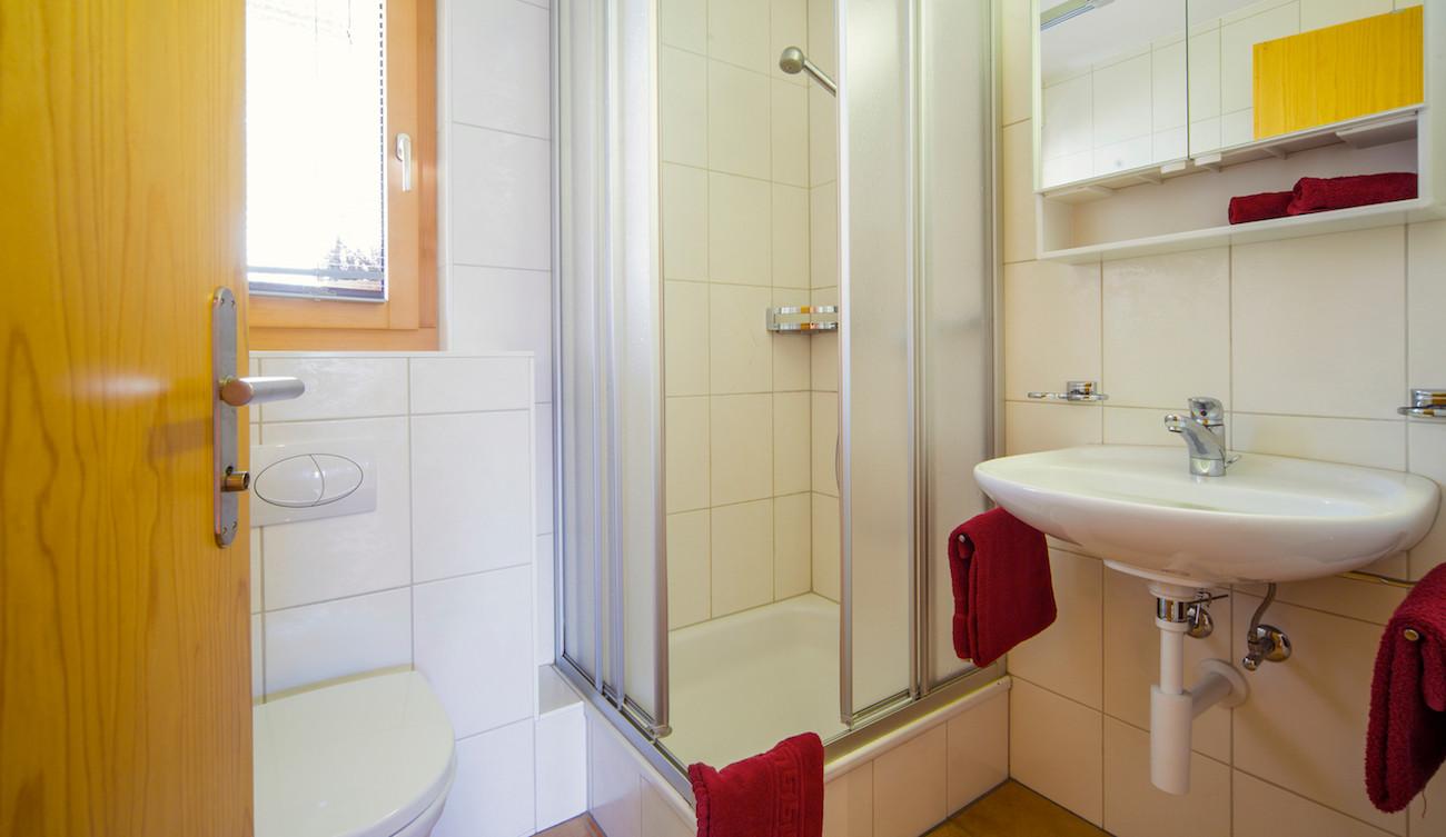 6-Badezimmer DU:WC.jpg