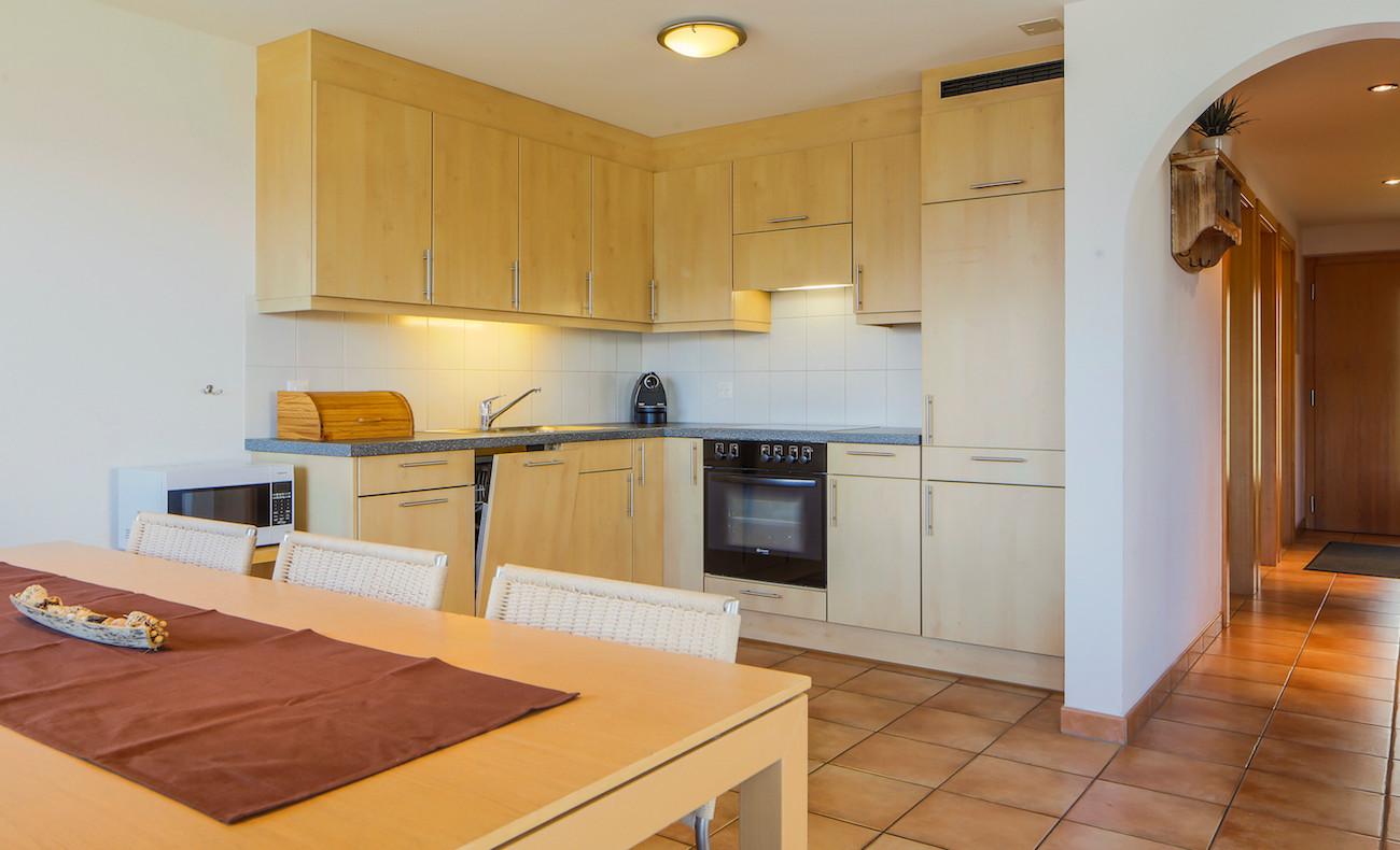 2-Küche_und_Essbereich.jpg