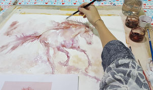 Wine Painting Demonstration by Sanja Jankovic in collaboration with Palette Dubai