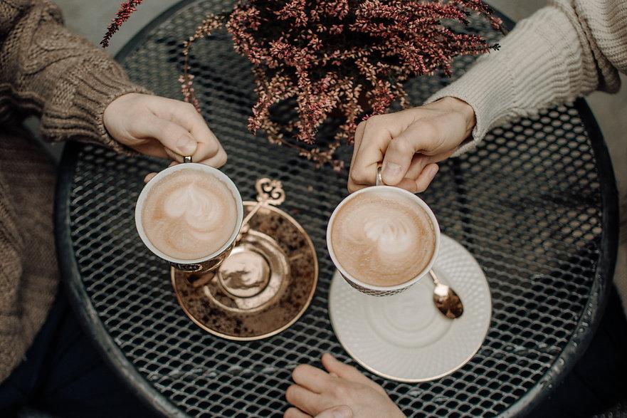 Aroma-Kaffee-zwei-trinken.jpg