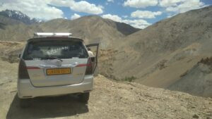 Srinagar to Leh Taxi