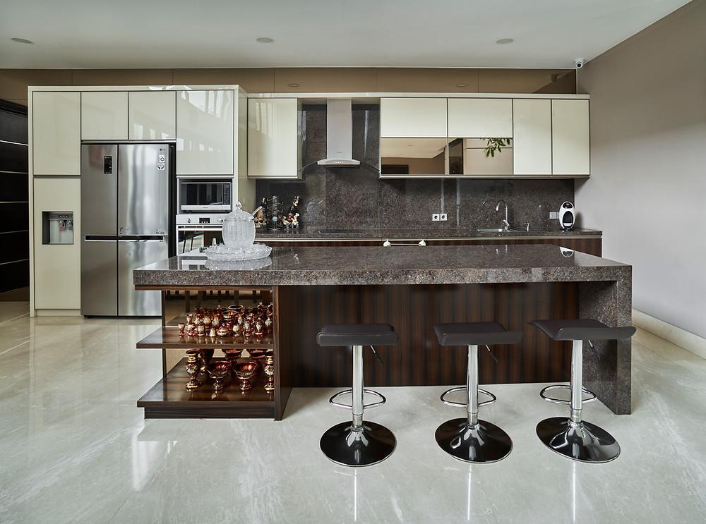 Aplikasi batu granit untuk dapur membuatnya jadi lebih cantik dan mewah.