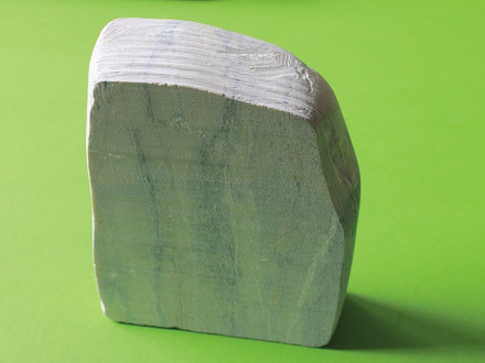 Soapstone, Batu Alam Lunak yang Cocok untuk Dekorasi Dinding
