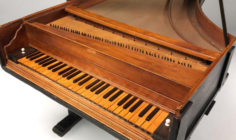 Piano klasik yang pertama kali dibuat di dunia