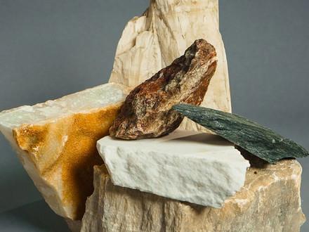 7 Alasan Memakai Batu Alam untuk Rumah Idaman