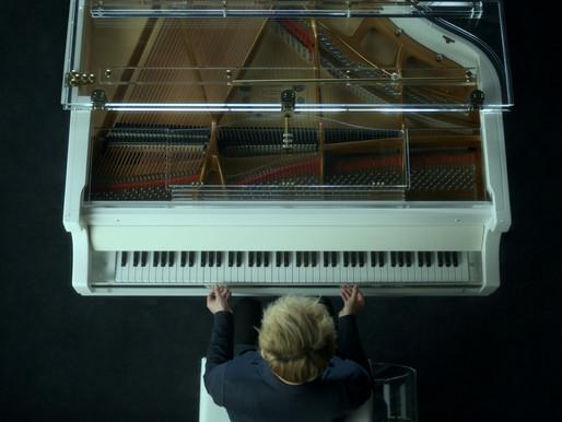 Pianis Randy Ryan Menghidupkan Kembali Nostalgia One Summer's Day