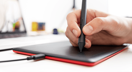 One-Wacom-Natural-feel-pen-USP_1