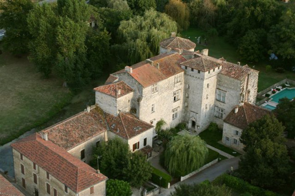 CHATEAU DE FOURCES 001