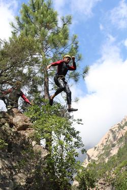 Saut dans le canyon du pulischellu