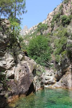 Aiguilles de bavella en canyon