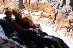 Toboggan en duo par Natura Canyon spécialiste canyoning à Bavella en Corse