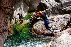 "Faire du Canyoning en Corse avec Natura Canyon à Bavella en Corse Patrick Graziani Canyon le ""Vacca"""